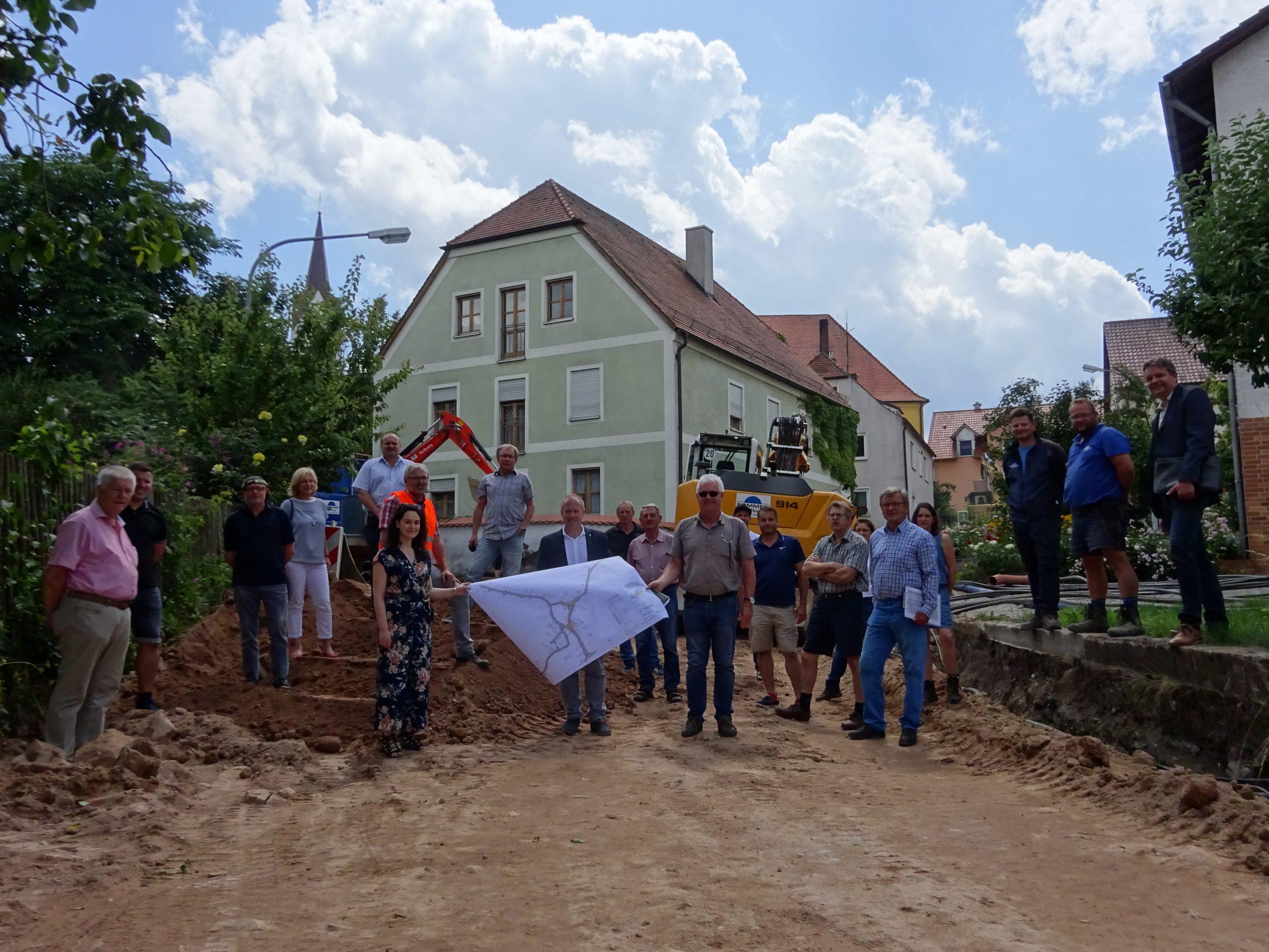 Spatenstich für Dorferneuerung Kemnath am Buchberg
